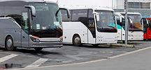 Ônibus estacionados