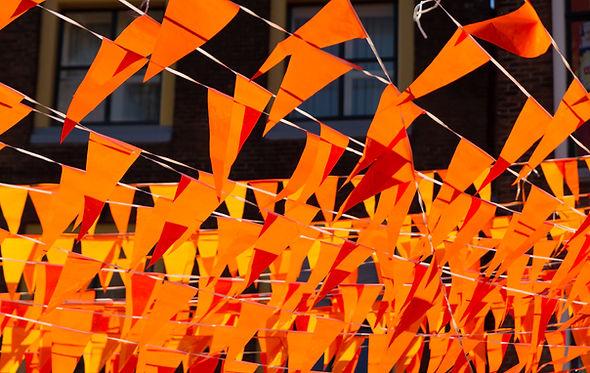 Banderas naranjas