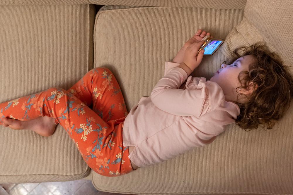 Born Happy, Nashville, TN, Tennessee, Baby Sleep Coach, Toddler Sleep Coach, Toddler Sleep Consultant, Screen Time, Sleep, Screen In Bedroom, Violent Content