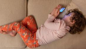 Gajet : Alat Yang Membantu Atau Memberi Lebih Banyak Kesan Negatif Kepada Anak?