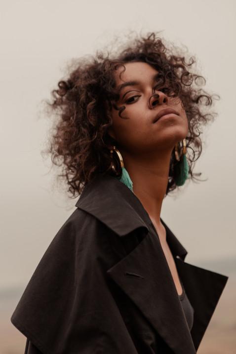 curly hair natural model