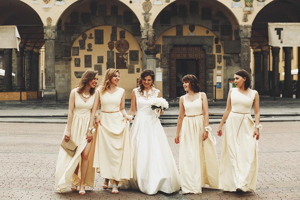 Damas de honra italianas