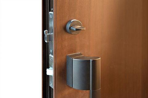 玄関ドアの錠