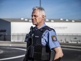 VG Aachen, 07.10.2020 - 1 L 677/20: Einstellungszusage in den Polizeidienst hinfällig nach Anzeige