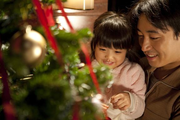 Père et fille fête Noël