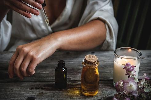 Applicazione di olio essenziale