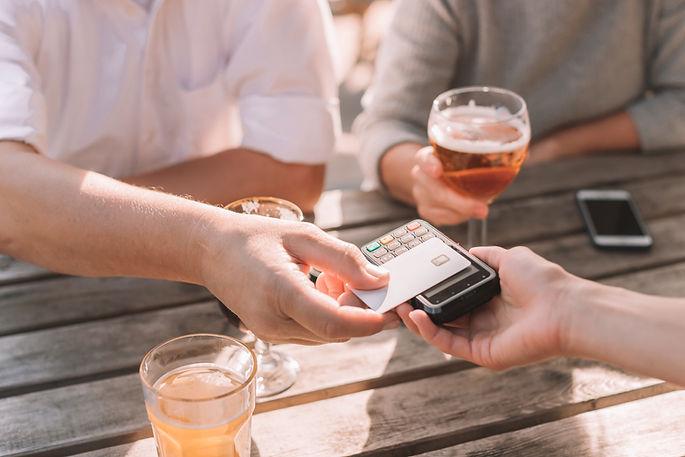 Cartão de crédito por aproximação