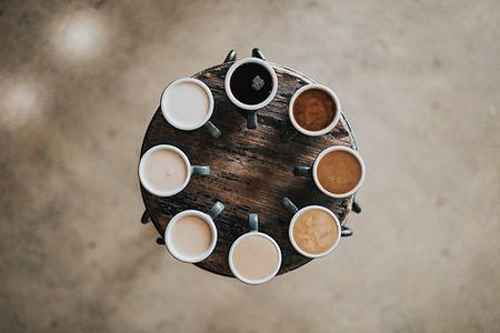 여러 가지 빛깔의 커피