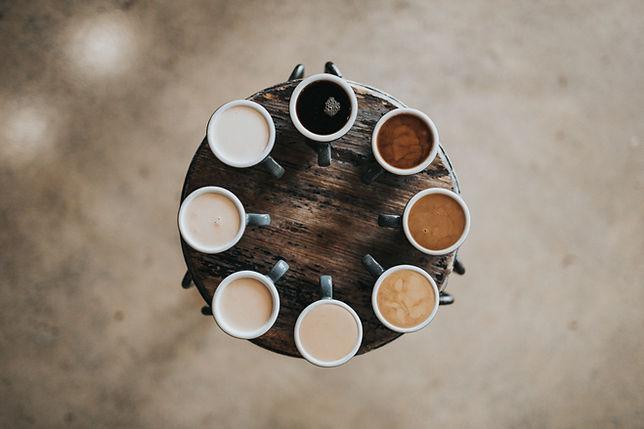 Cafés multicoloridos