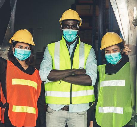 Trabalhadores com Máscaras