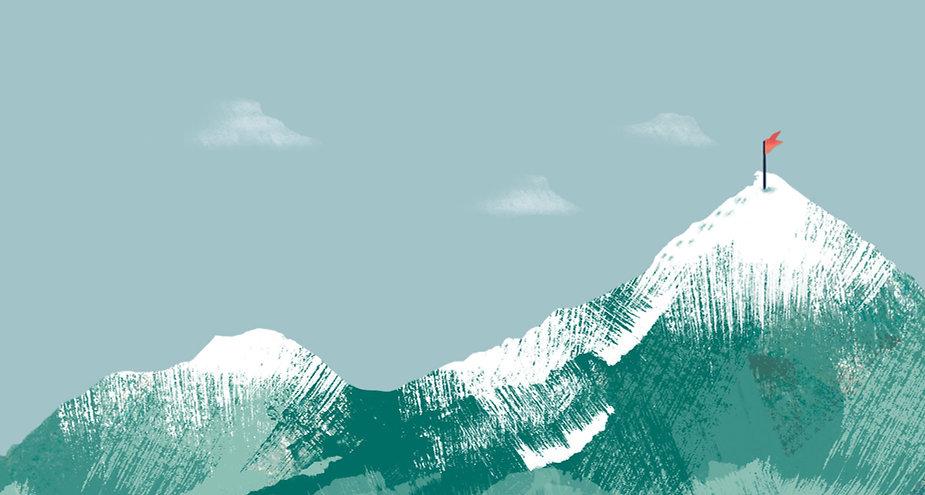 Drapeau sur le sommet de la montagne