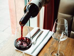 Descorche y servicio del vino