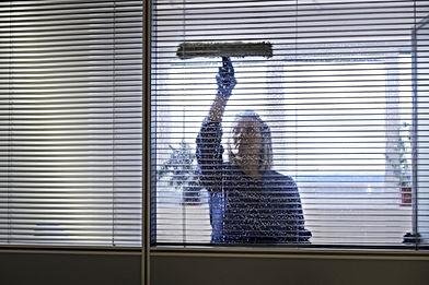 limpeza-empresas-escritórios-condomínios-rj