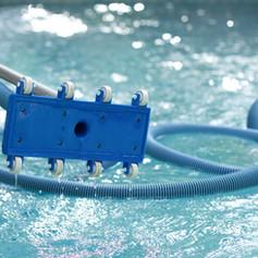 pool-bottom-cleaner