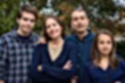 Portrait de famille au parc