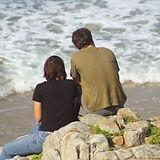 En una roca junto al mar