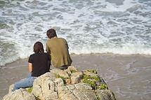 Sur un rocher au bord de l'océan