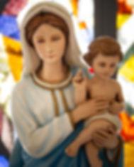 Estátua da Virgem Maria e Jesus