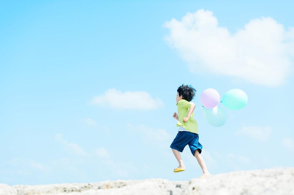 風船と子供