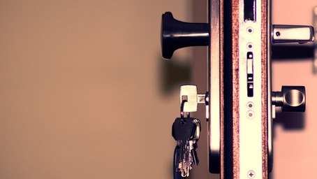 Pros and Cons of a Backdoor Roth IRA