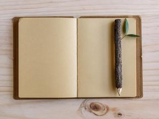 Crayon et carnet en bois