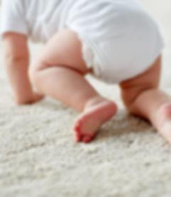 Bébé rampant