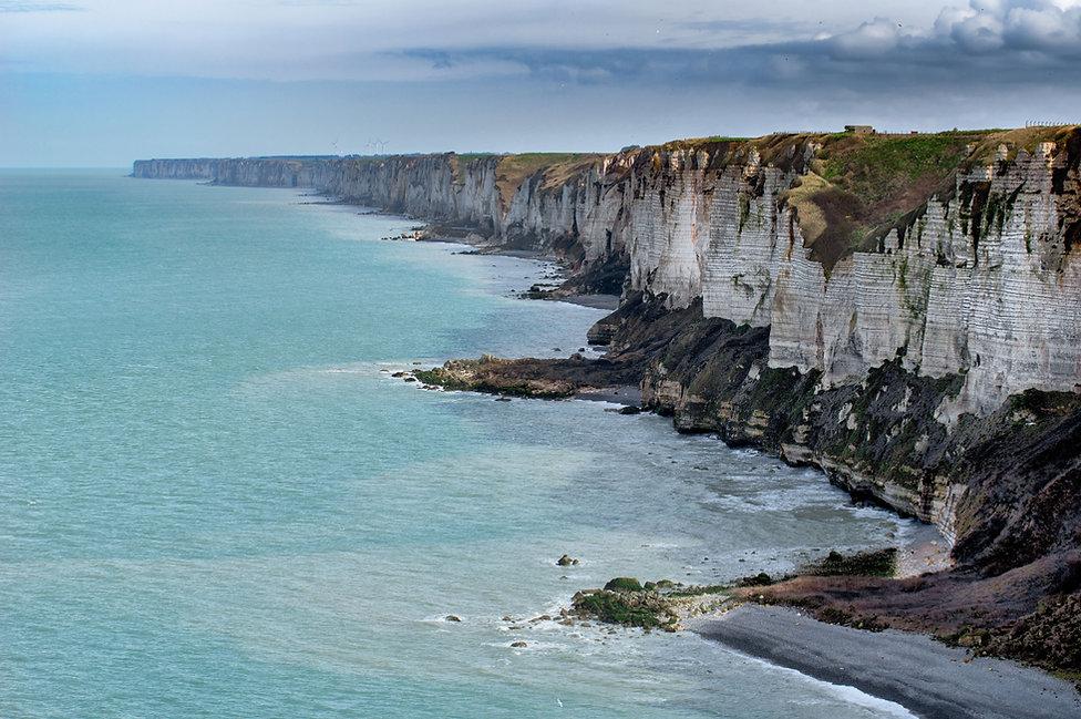 Klippen mit Blick auf den Strand