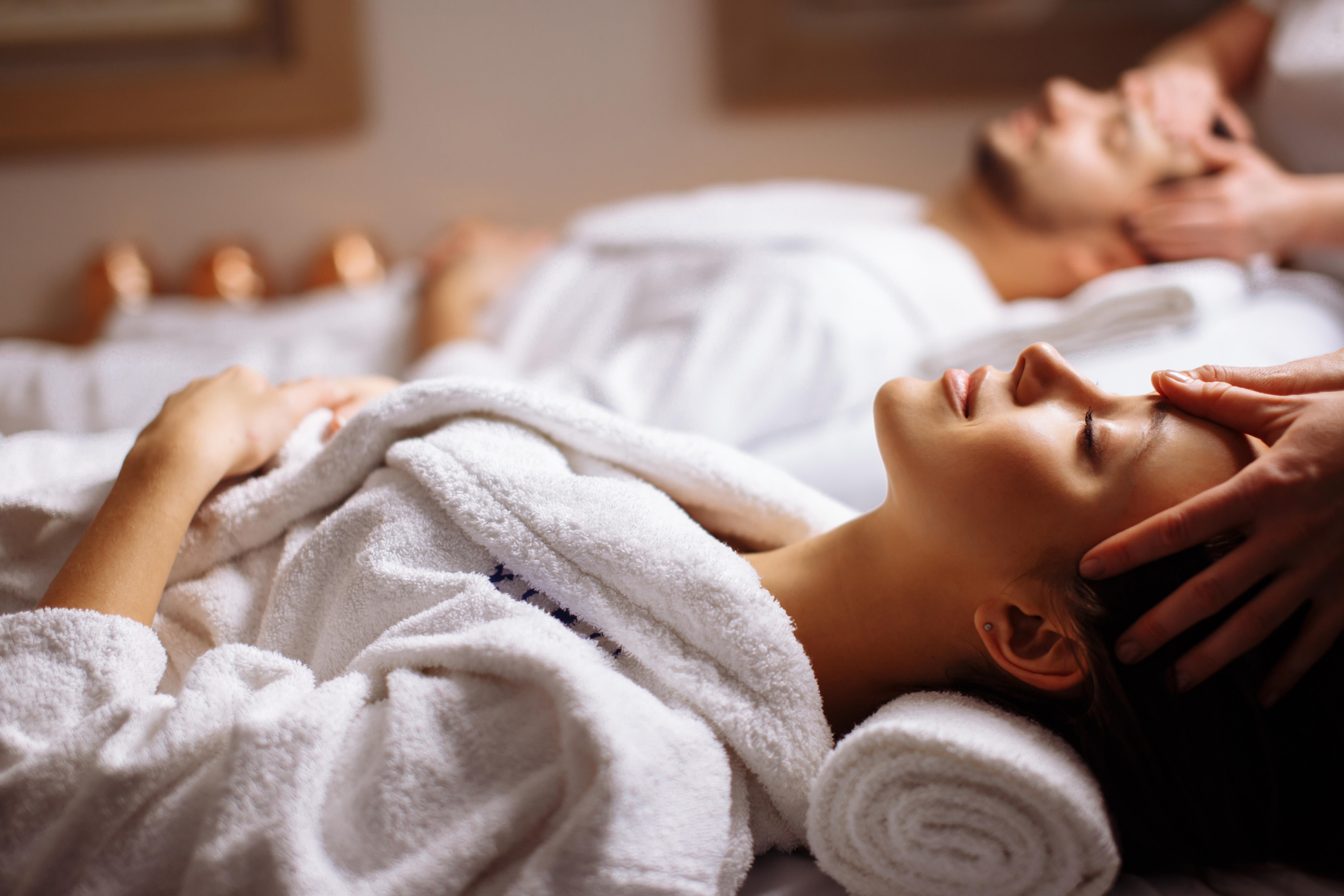 30 Mins Couple Massage