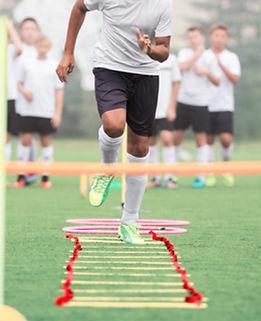 Niños durante una práctica deportiva