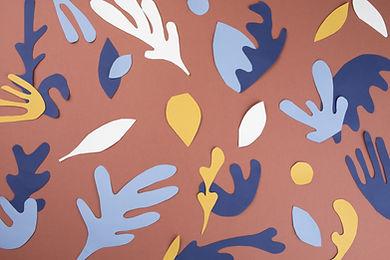 Folhas de papel recortes