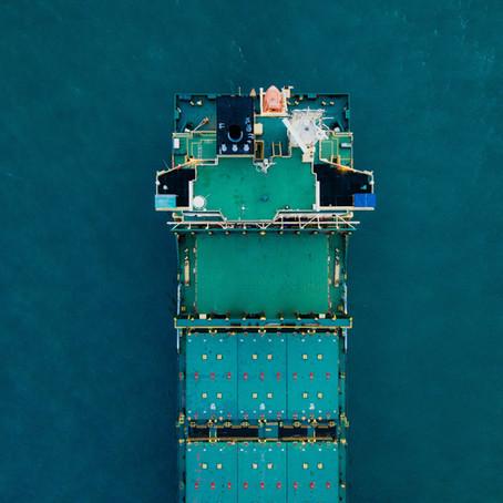 Debloquear o Canal de Suez