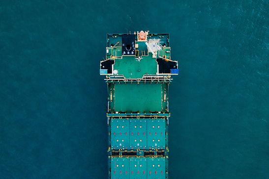 Frachtschiff auf See