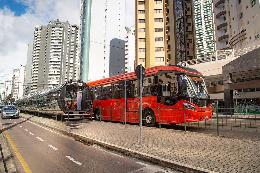 Ônibus na estação tubo