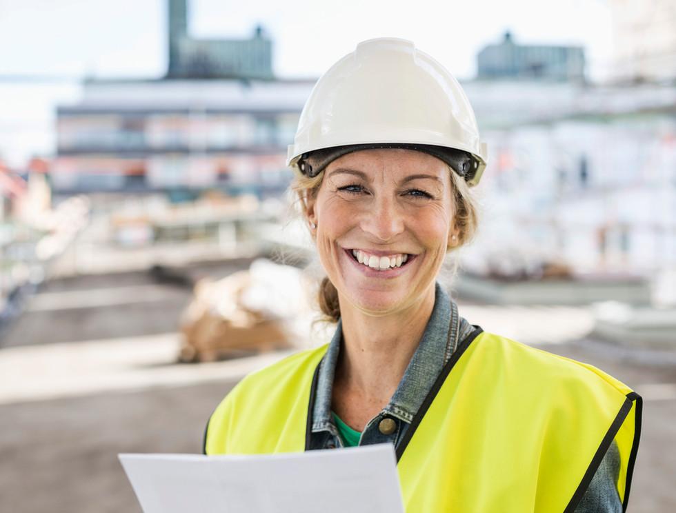Lächelnder Arbeiter
