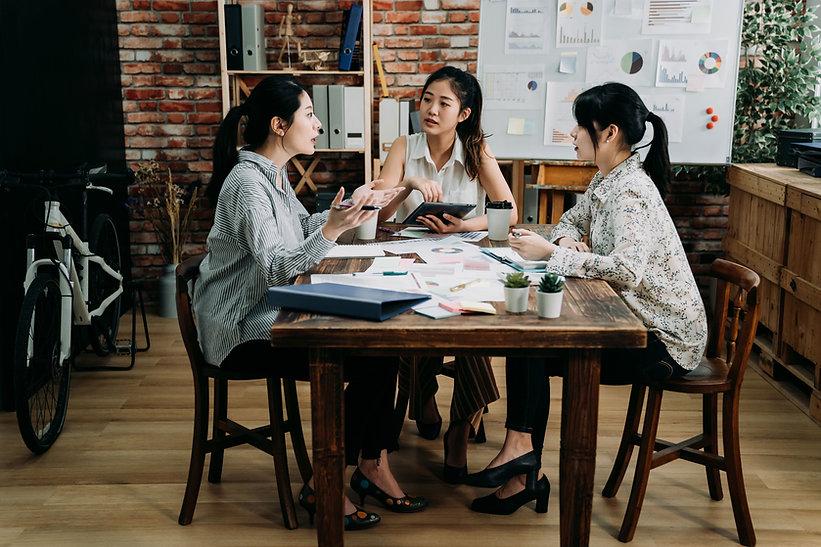 작업 팀 회의