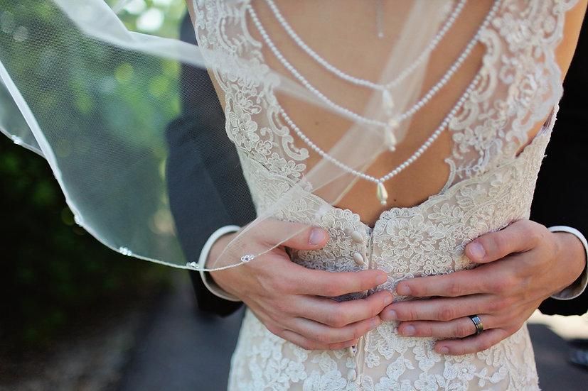 Étreindre la mariée