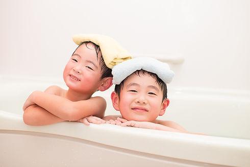 子供二人の入浴