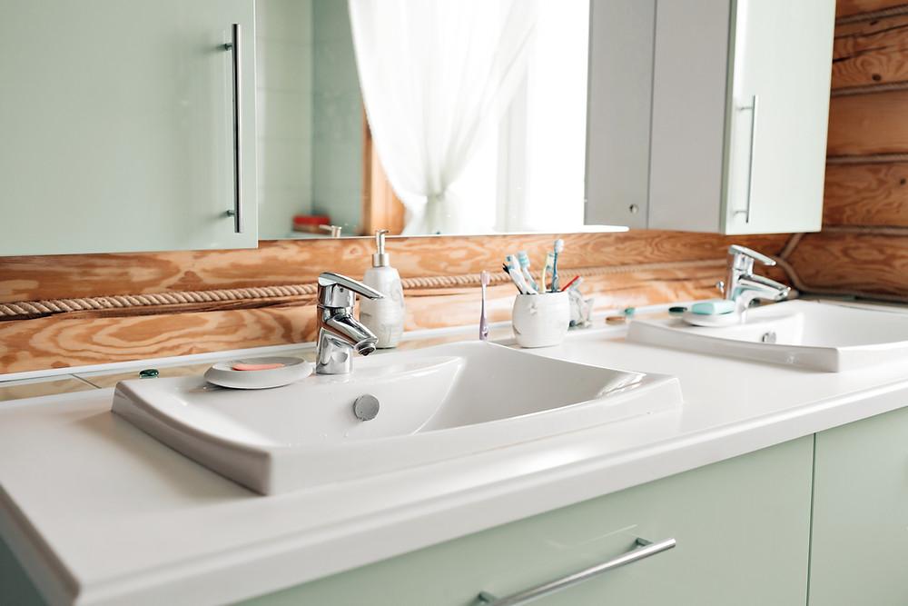 Clean white bathroom countertop