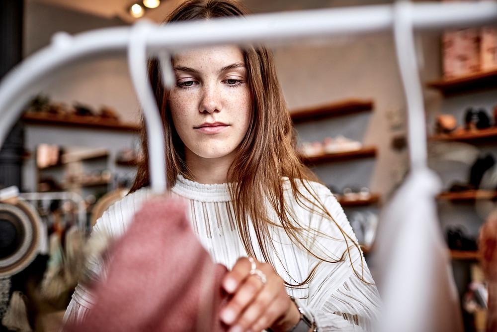 В рамках патента по ремонту и пошиву одежды возможна реализация этих изделий