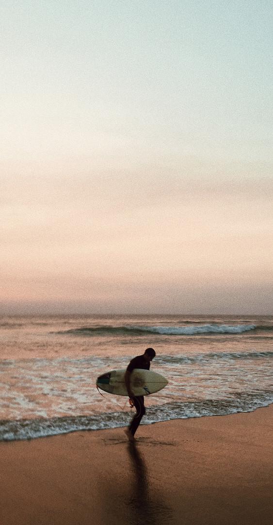 Surfista na praia