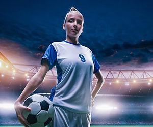 Giovane calciatore femminile
