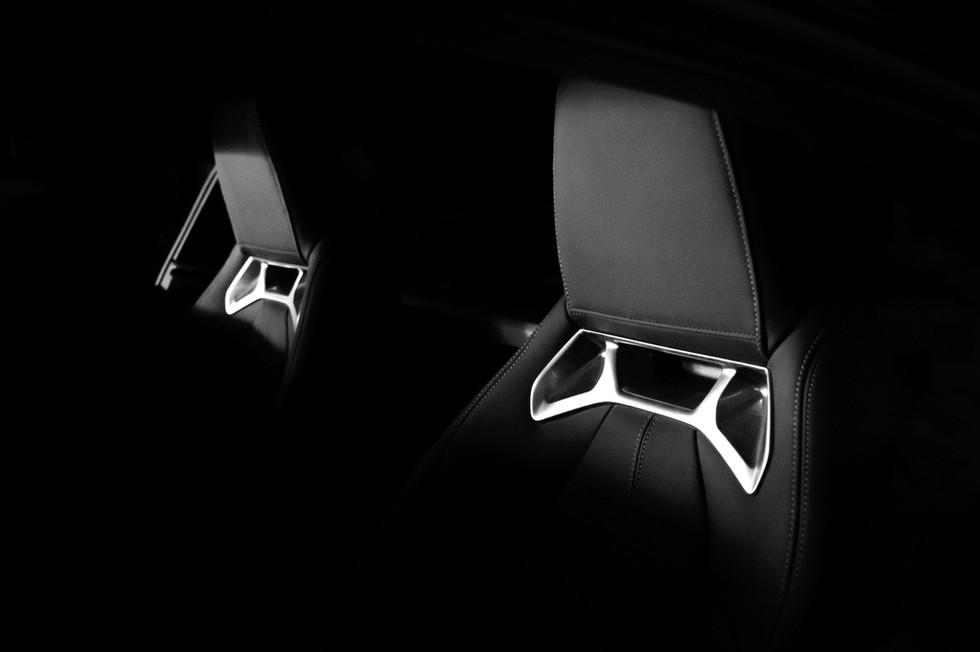 Assentos de carro novos