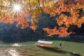 秋の屋形船