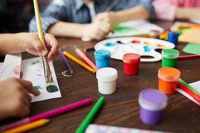 Dzieci_ zajęcia z malowania
