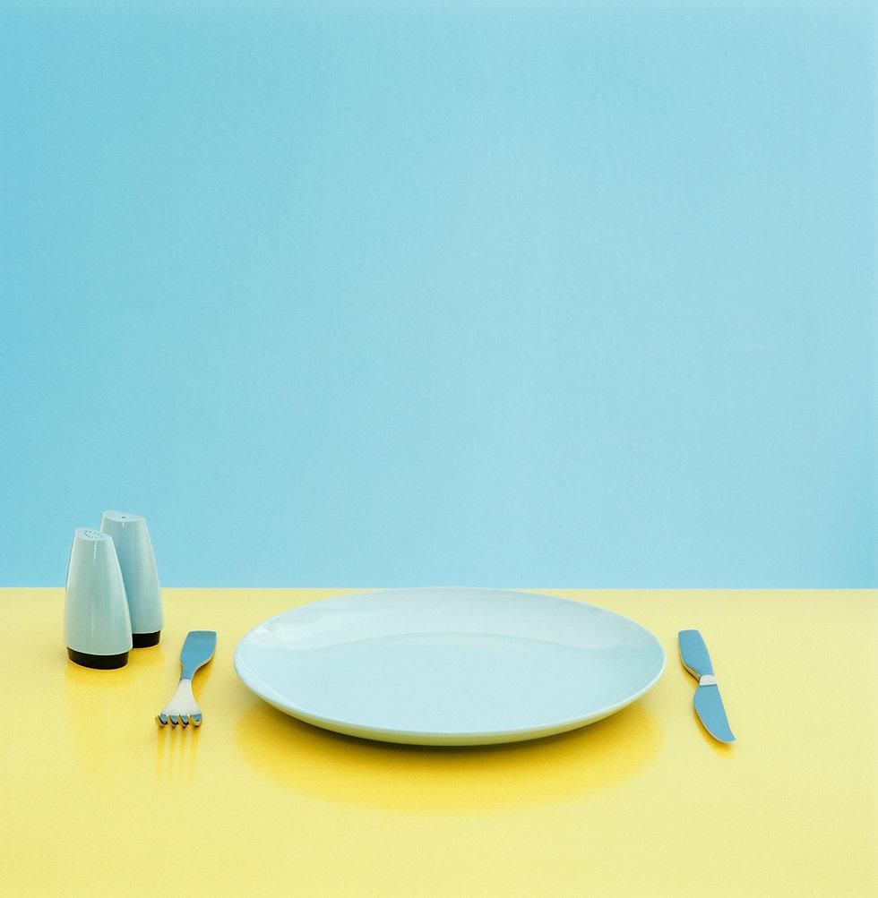 Gedeckter Tisch zum Abendessen