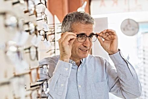 Provando gli occhiali