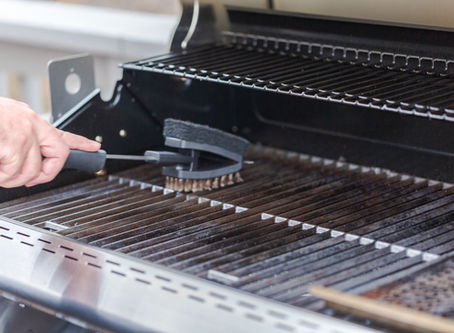 How to Clean and Prepare Your Grill Before a Party!