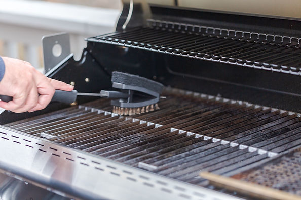 Cleaning Barbecue Grill