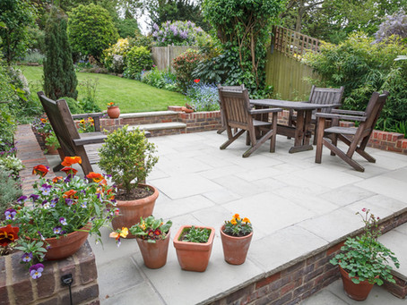 5 Ways to Spruce Up Outside Your Home