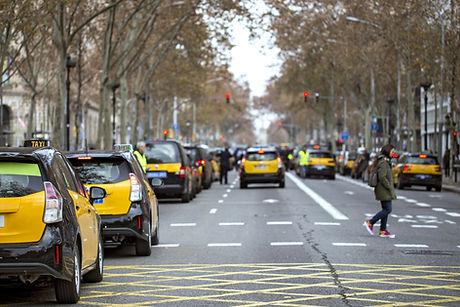 Taxis en avenida